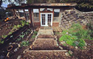 earthship-cabin-santa-cruz-1