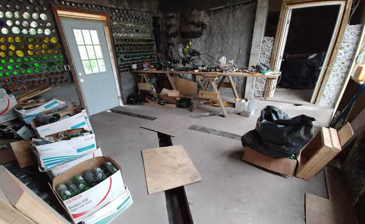 Florida earthship construction entry