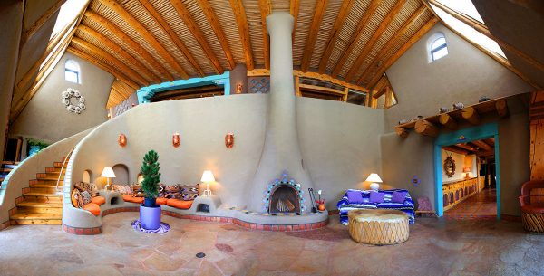 earthship-living-weaver-pano